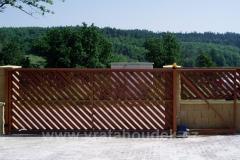 samonosná brána s dřevěnou výplní (1)