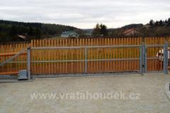 samonosná brána s dřevěnou výplní (18)
