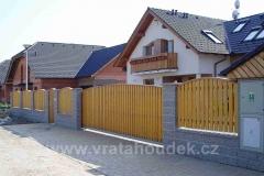 samonosná brána s dřevěnou výplní (20)