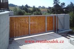 samonosná brána s dřevěnou výplní (21)