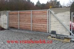 samonosná brána s dřevěnou výplní (23)