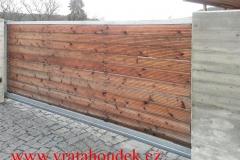 samonosná brána s dřevěnou výplní (24)