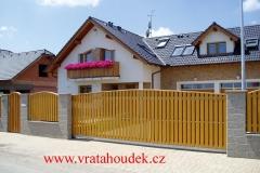 samonosná brána s dřevěnou výplní (25)