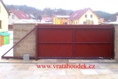 samonosná brána s dřevěnou výplní (26)