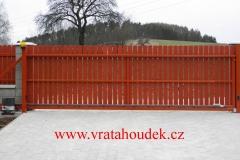 samonosná brána s dřevěnou výplní (27)