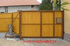 samonosná brána s dřevěnou výplní (28)