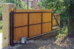 samonosná brána s dřevěnou výplní (33)