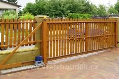 samonosná brána s dřevěnou výplní (34)