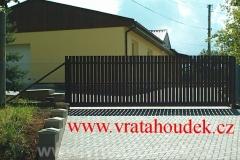 samonosná brána s dřevěnou výplní (37)