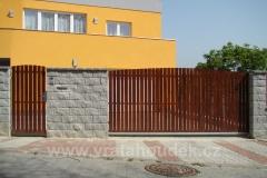 samonosná brána s dřevěnou výplní (40)